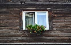 How to paint uPVC windows correctly